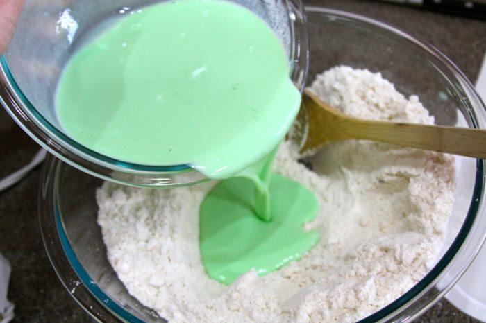 Pot O Gold Cupcakes 09