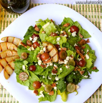 Grilled Pear and Gorganzola Salad