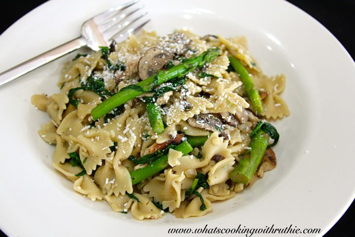 Farfalle with Mushrooms and Spinach by whatscookingwithruthie.com