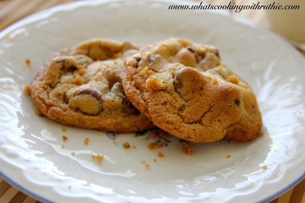 the BEST chocolate chip cookies by whatscookingwithruthie.com