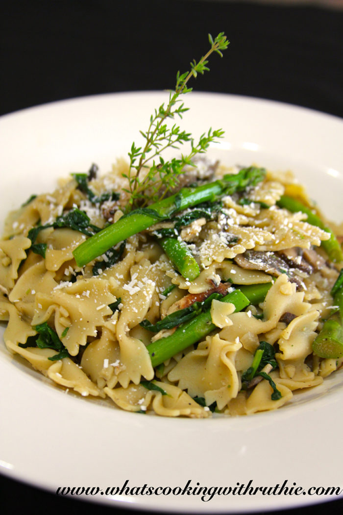 Farfelle with Mushrooms and Spinach by whatscookingwithruthie.com