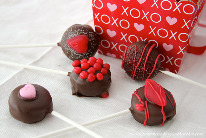 Valentine (no bake) Cookie Pops - Cooking With Ruthie