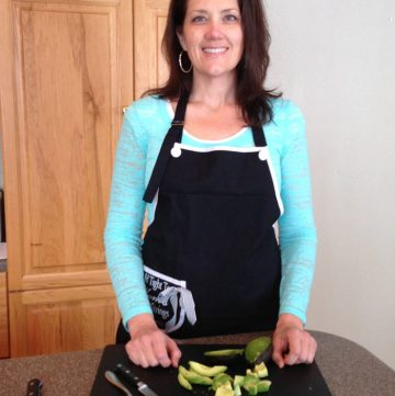 How to pick and cut an avocado by whatscookingwithruthie.com