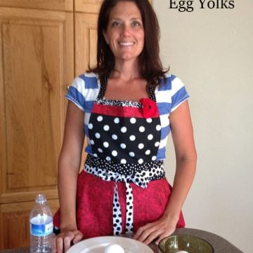 Kitchen Tip Series how to separate egg whites and egg yolks www.whatscookingwithruthie.com
