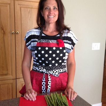 Kitchen Tip Series how to prepare Asparagus by www.whatscookingwithruthie.com
