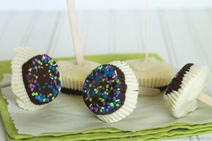 Nutella Cupcake Pops by www.whatscookingwithruthie.com