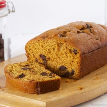 Skinny Dark Chocolate Pumpkin Bread by www.whatscookingwithruthie.com