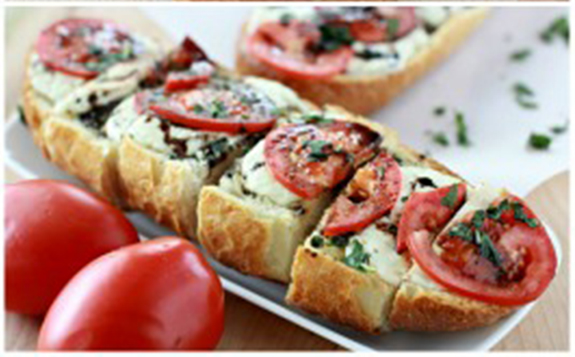 Caprese-Garlic-Bread-Collage-sm