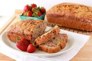 Strawberry Banana Bread by www.whatscookingwithruthie.com