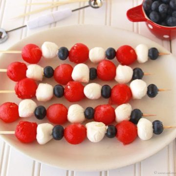 Patriotic Fruit and Cheese Kabobs by www.whatscookingwithruthie.com