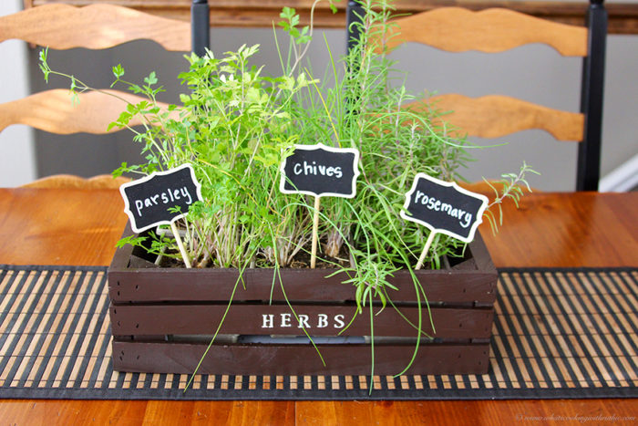 Indoor Herb Planter on www.cookingwithruthie.com