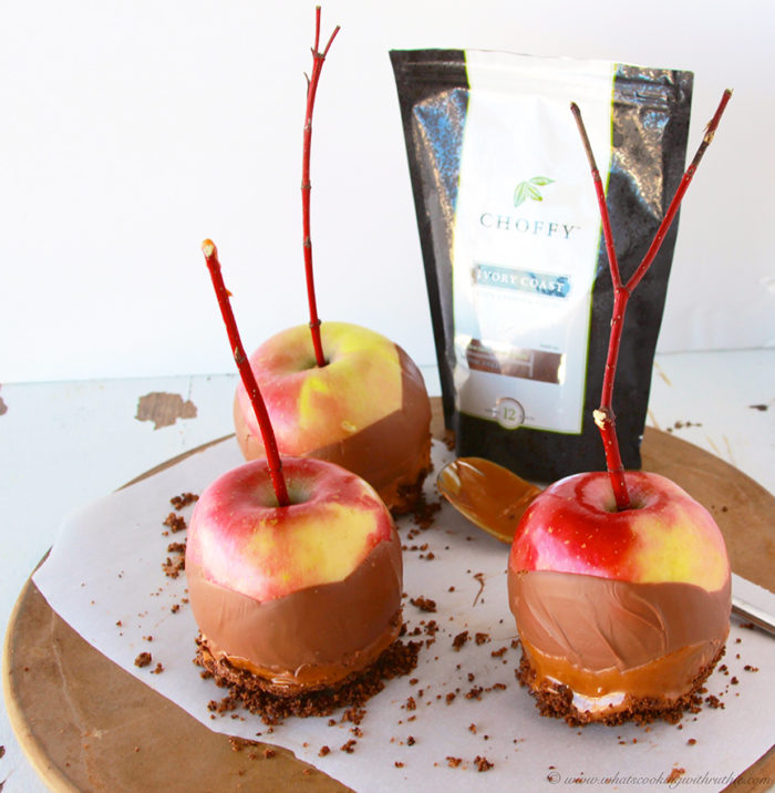 Choffy Caramel Apples are a classic autumn treat! by www.cookingwithruthie.com #recipes #caramel