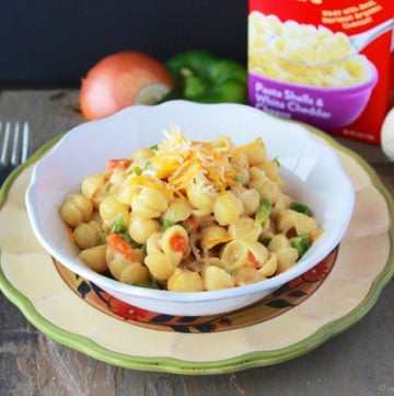 Horizon Fiesta Mac and Cheese is a new twist on this classic dish! by www.cookingwithruthie.com @horizon #spon