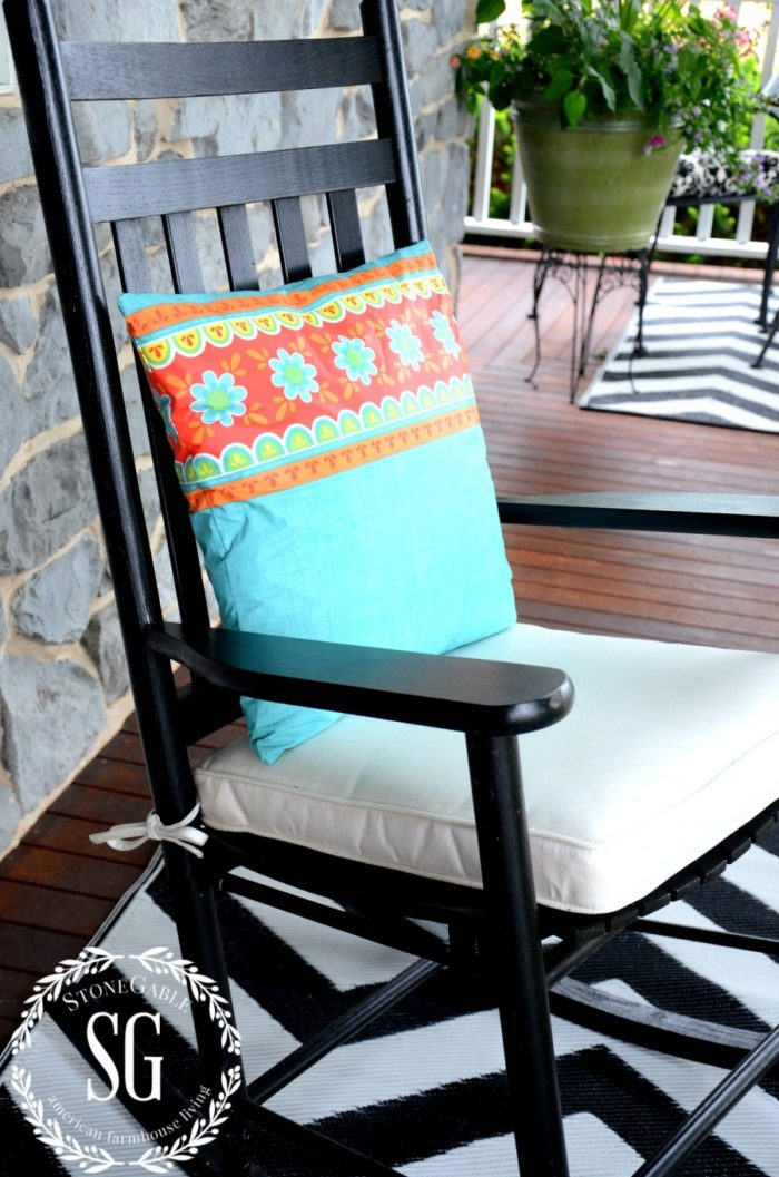 SEW-EASY-OUTDOOR-PILLOW-FROM-A-VINYL-TABLESCLOTH-waterproof-stonegableblog.com_