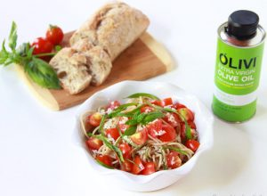 Bruschetta Pasta with Olivi Olive Oil is a fresh, healthy, simple dinner for your family! #olivi