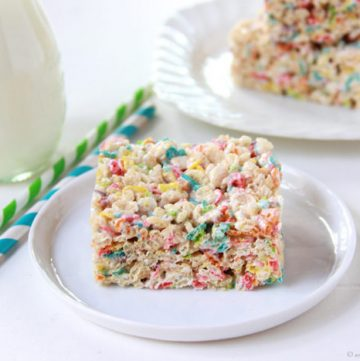 Funfetti Rice Krispie Treats on www.cookingwithruthie.com will be your families NEW favorite rice krispie treat!