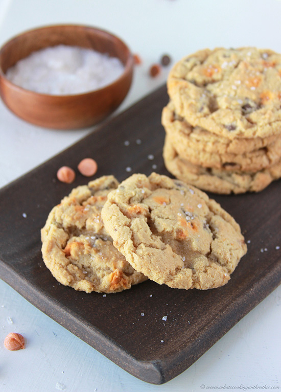 *salted-caramel-chocolate-chip-cookies 3