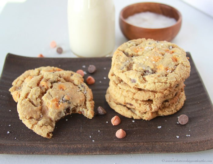 *salted-caramel-chocolate-chip-cookies 6