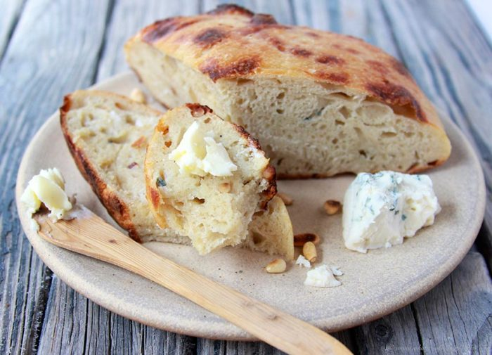 *gorgonzola-pine-nut-sourdough-loaf 2
