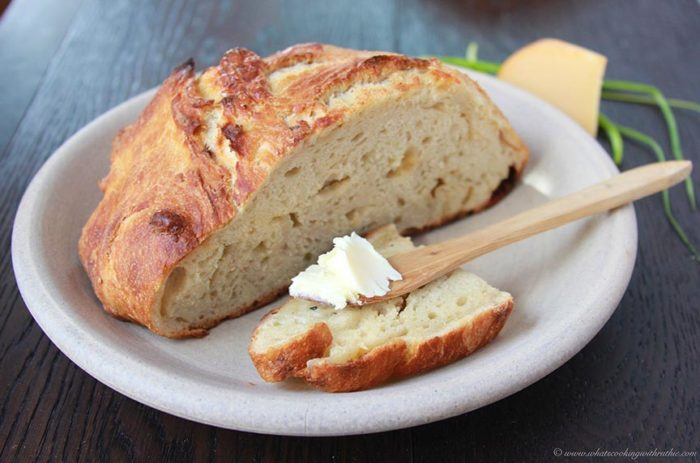 *smoked-gouda-and-chive-artisan-loaf 5