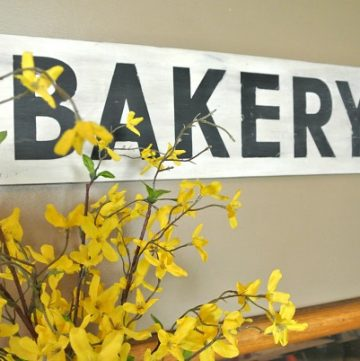 Wood Sign Tutorial by www.polkadotpoplars.com on www.cookingwithruthie.com is an adorable DIY project for your home!