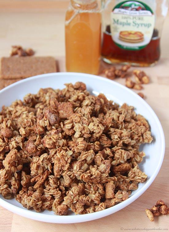 **candied-peanuts-graham-granola-bites 4
