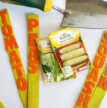 DIY Garden Markers by www.polkadotpoplars.com on www.cookingwithruthie.com to keep your garden happy!