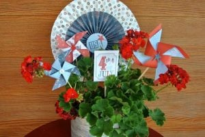 4th of July Pinwheel Centerpiece is so adorable to make your July celebrations that much more fun!