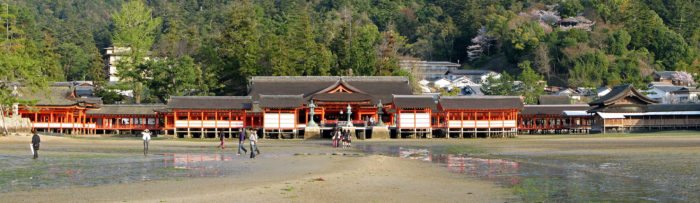 Itsukushima_Shinto_Shrine