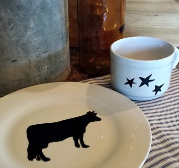 DIY Stenciled Dishes on www.cookingwithruthie.com a beautiful personalized gift.