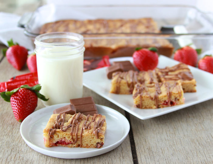 Strawberry Chocolate Truffle Bars are the ultimate cookie bar! www.cookingwithruthie.com