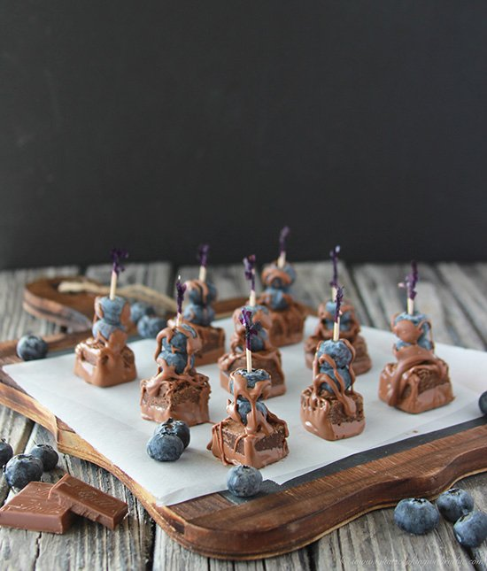 Blueberry Brownie Bites are so simple to assemble and great to take along to any gathering! www.cookingwithruthie.com