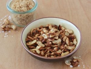 Sweet and Salty Cashews is great way to top salads, desserts, or all by themselves! www.cookingwithruthie.com