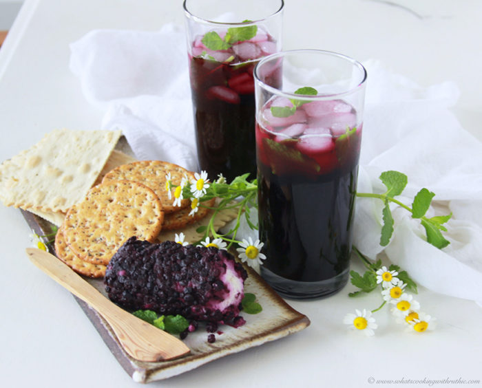 Non-boozy Blueberry Mint Mojito is a lovely way to celebrate spring! www.cookingwithruthie.com #ad @RWKnudsen