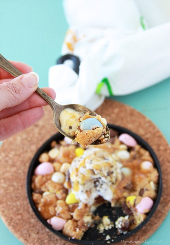 Cadbury Egg Cookie Pizzooki is a warm cookie made with lots of chocolate and topped with ice cream! www.cookingwithruthie.com