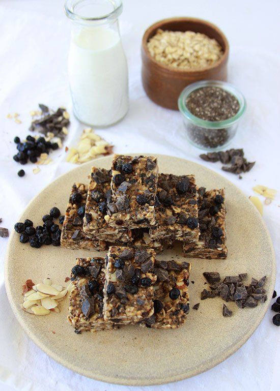Wild Blueberry, Almond, Dark Chocolate Energy Bars are healthy and delicious! www.cookingwithruthie.com