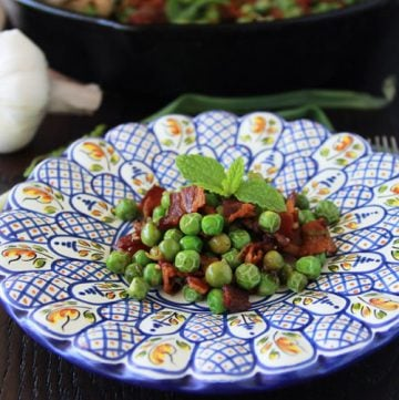 Guisantes Ahogados or Stewed Peas is a traditional Catalana recipe from Spain!