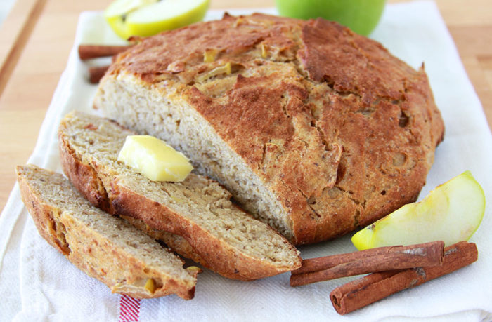 Apple Cinnamon Whole Grain Bread is a no-knead, whole grain, autumn loaf of love! www.cookingwithruthie.com