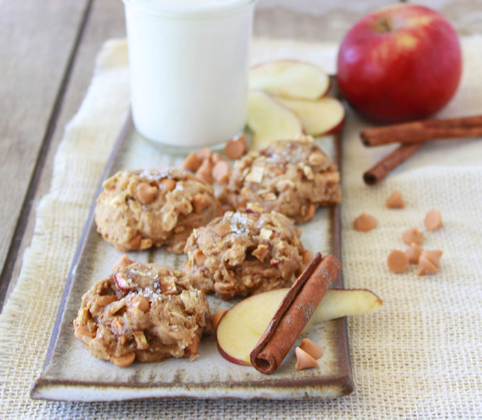 Apple Cinnamon Whole Wheat Cookies are a healthy autumn treat! www.cookingwithruthie.com