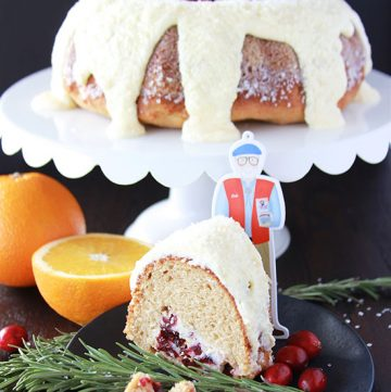 #ad Cranberry Orange Coffee Cake is ever so lovely and will be the star of your holiday breakfast or brunch! @bobsredmill #paperbob www.cookingwithruthie.com