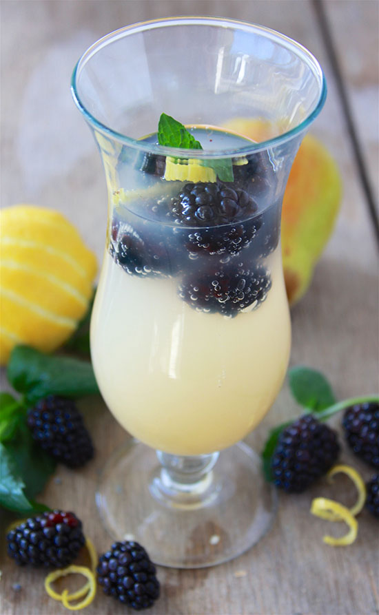 #ad Blackberry Pear Mimosa's will bring happiness to your holiday brunch! #MikesHard #DrinkOnTheBrightSide www.cookingwithruthie.com