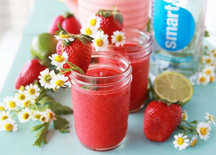 #ad Strawberry Lime Refresher is a refreshing beverage to take a minute to sip and relax in the day! #sparklingsmartwater @samsclub