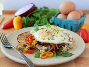 Southwest Potato Hash and Egg Sandwich is an egg-xtra awesome way to start your day! www.cookingwithruthie.com #HappyHenHappyEgg #FreeestFreeRange #AD