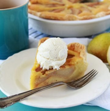 Pear Tart à la mode is a beautiful dessert that will bring a smile to every person at your table! www.cookingwithruthie.com