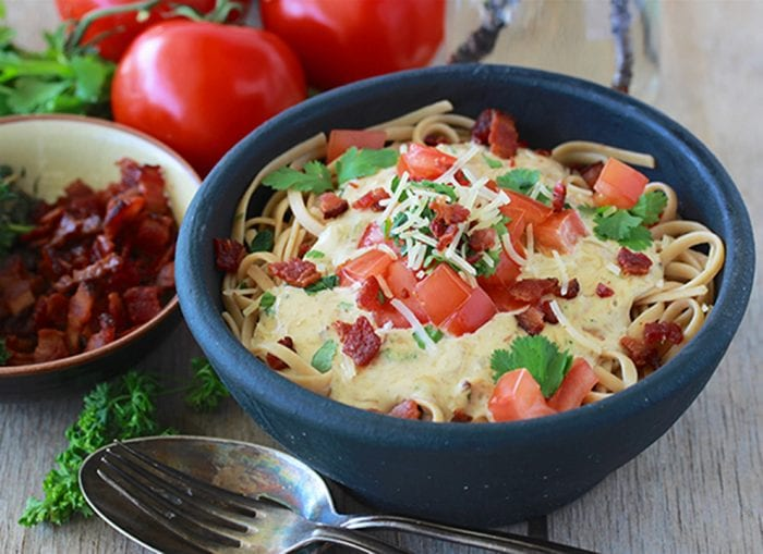 BLT Alfredo Pasta Recipe is a few simple ingredients and makes beautiful dinner for your family! by cookingwithruthie.com